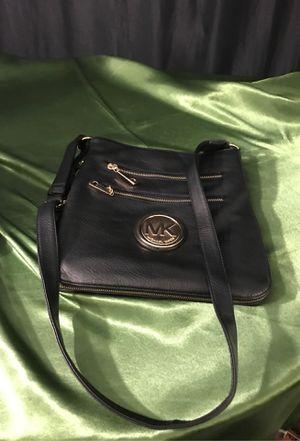Michael Kors Crossbody adjustable purse for Sale in Colton, CA