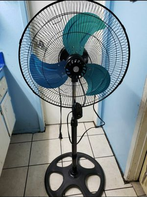 "18"" Oscillating Pedestal Fan 3 speed adjustable height stand new for Sale in Santa Ana, CA"