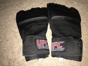 UFC Gloves for Sale in Lynnwood, WA