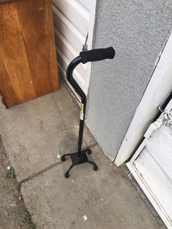 Adjustable walkingcane