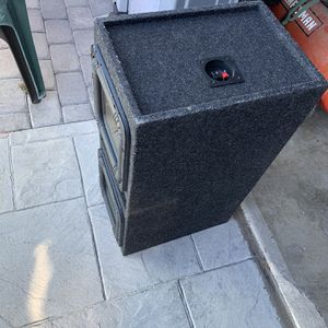 2 10inch Kicker Subwoofer In Ported Box. THESE POUND!! for Sale in Larkspur, CA
