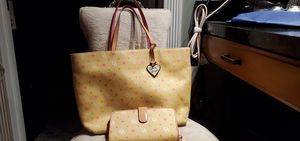 Dooney and bourke for Sale in Riverside, CA