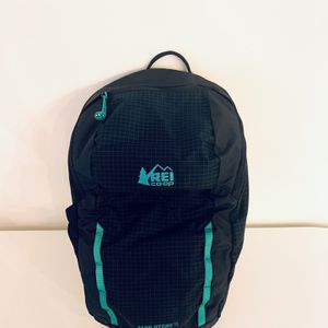 REI Tarn Hydro Kids Backpack Navy Boys Girls for Sale in Scottsdale, AZ