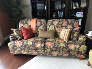 Ethan Allen couch 7ft 3inches long for Sale in Solon, OH