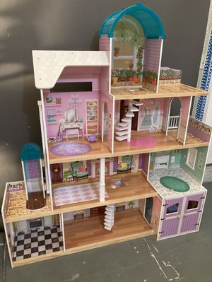Doll house for Sale in Henderson, NV