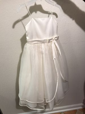 Flower girl dress size 7 for Sale in Leander, TX