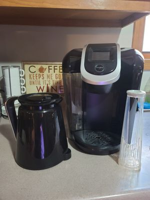 Keurig 2.0 with carafe and filter for Sale in East Taunton, MA