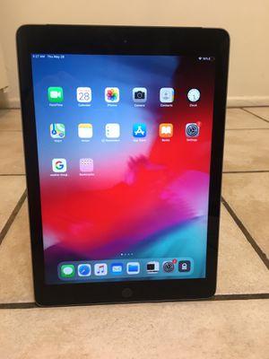 iPad 32 GB sixth-generation for Sale in Los Angeles, CA
