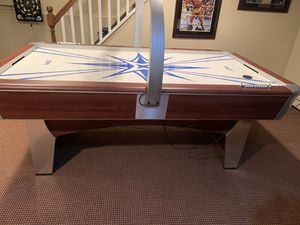 Aeromax Air Hockey Table for Sale in Wantagh, NY