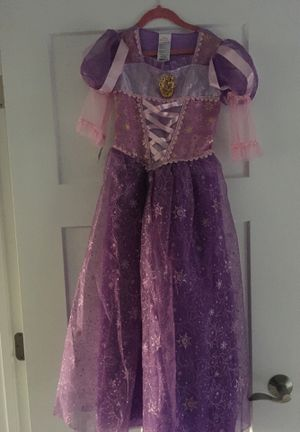 Disney Rapunzel Dress-up Costume Size 7 NEW and matching Hat for Sale in Mukilteo, WA