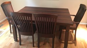 Amish dining room set: table, 2 arm chairs, 2 side chairs, one 2-person bench for Sale in Sterling, VA