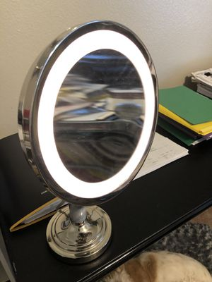 Lighted Makeup Mirror for Sale in Scottsdale, AZ