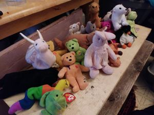 Beanie baby coolectors wdovv for Sale in Abilene, TX