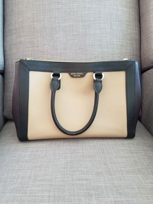 Henri Bendel bag and wallet for Sale in Seattle, WA