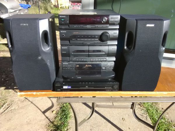 Sony 300 Watts stereo system with 5 discs DVD and CD players plus speakers