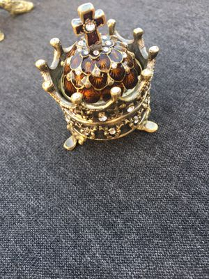 Crown jewelry box wedding ring gift Christmas girls for Sale in Anaheim, CA