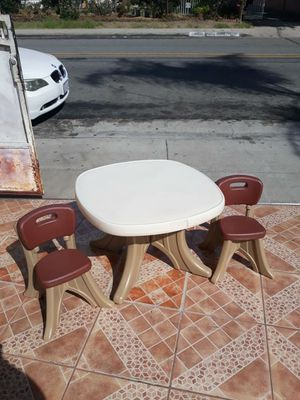 Kids table for Sale in El Monte, CA
