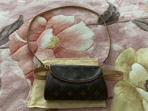 Authentic LV cross body with belt for Sale in Corona, CA