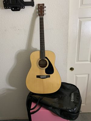 Yamaha guitar and soft case for Sale in Phoenix, AZ