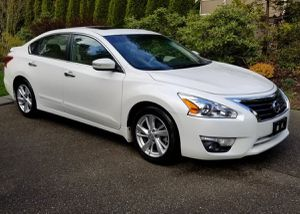 Like New 2013 Nissan Altima FWDWheels For Sale for Sale in Washington, DC