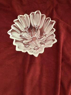 "Mikasa crystal satin tulip bowl, 7"" diameter x 3"" deep for Sale in Bristow, VA"