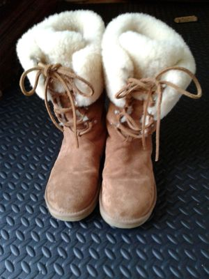 UGG BOOTS SIZE 9 for Sale in Columbus, OH