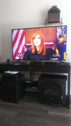 Tv Stand and 55 inch flatscreen for Sale in Silver Spring, MD