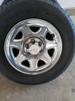 """17""""Rines Y Llantas Chevy Silverado for Sale in Bloomington,  CA"""