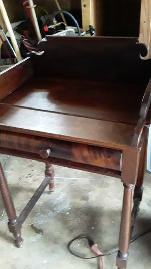 Antique desk for Sale in Dundee, OR