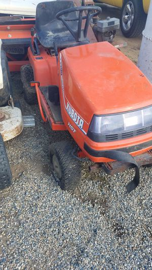 Kubota riding mower no deck for Sale in Dinuba, CA