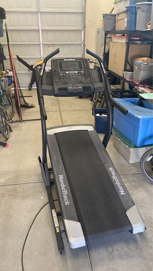 NordicTrack X11i incline treadmill - REDUCED - moving and it won't fit for Sale in Peoria, AZ