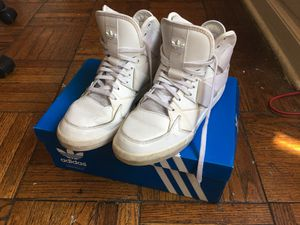 Adidas Original White Shoes Unisex size 7 for Sale in Columbus, OH