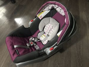 Graco snugride 30 - infant car seat with base for Sale in Blaine, WA