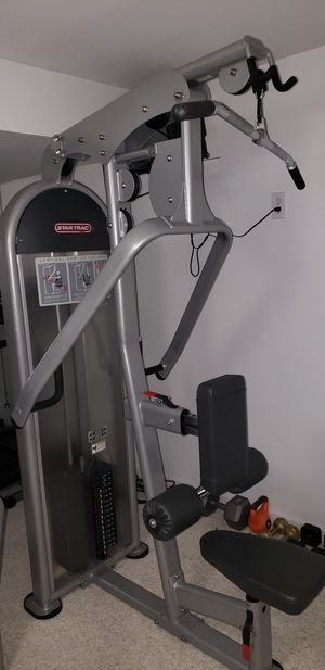 Star Trac Lat Pull and Row Combo for Sale in Frederick, MD