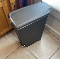 Simple Human 40L Step Trash can for Sale in Berkeley,  CA