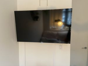 43 inch TCL Roku Smart TV for Sale in Brooklyn, NY