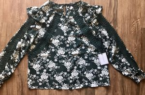 Flowery blouse for Sale in Torrance, CA
