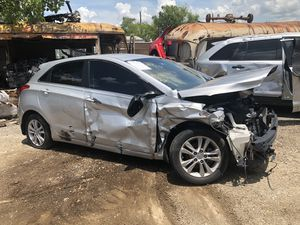 2014 Hyundai Elantra 2.0 for parts for Sale in Mesquite, TX