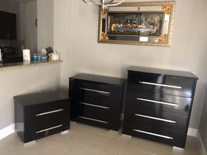 3 piece dresser set for Sale in Lauderdale Lakes, FL