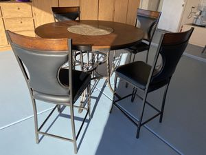Breakfast table very nice and high quality for Sale in Glendale, AZ