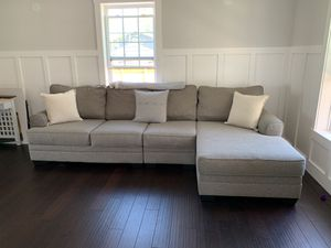 Sectional (Right Facing Chaise) for Sale in Denver, CO