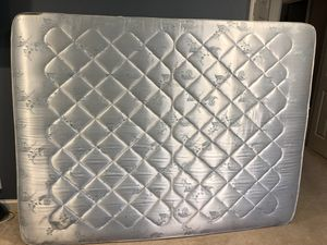 Free Queen Size Mattress for Sale in Windham, NH