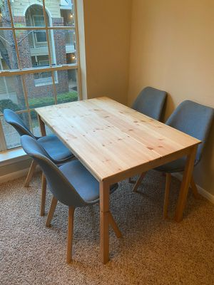 Dining Table and chairs (delivery) for Sale in Sugar Land, TX