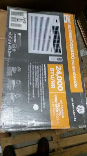 24,000 btu air conditioner for Sale in Modesto, CA