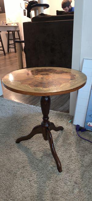 Antique accent table for Sale in Phoenix, AZ