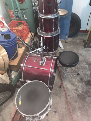 Pearl export drum set for Sale in Lombard, IL