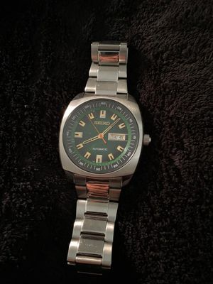 Seiko men's watch automatic Only used once for Sale in Moreno Valley, CA