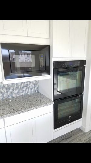 New Whirlpool Appliances - Doublestack Oven, microwave, Gas cooktop stove - brand new never used for Sale in Miami, FL