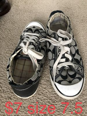 Lot of WOMENS shoes for Sale in Pittsburgh, PA