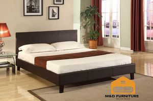 Cama brown queen y colchon... Brown Queen Bed Frame with mattress for Sale in North Miami Beach, FL
